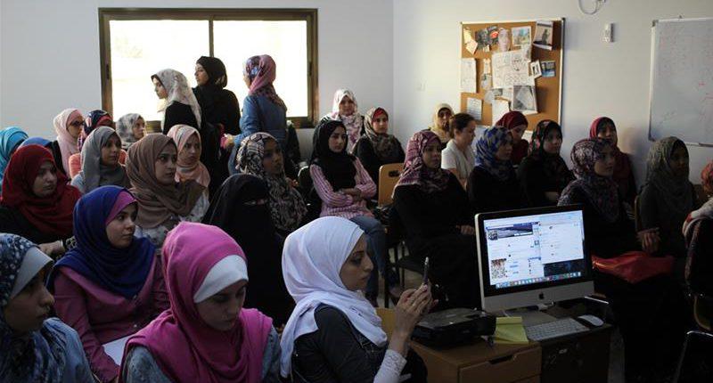 female-geeks-palestine